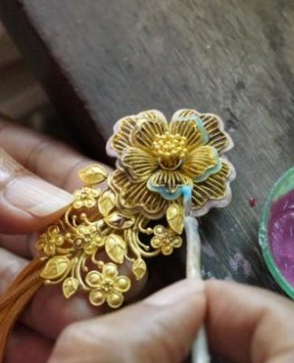 Sukhothai enamelled goldwork